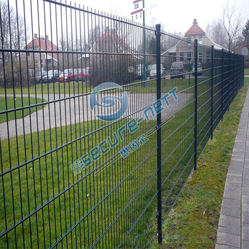 Welded double horizontal wire mesh fence