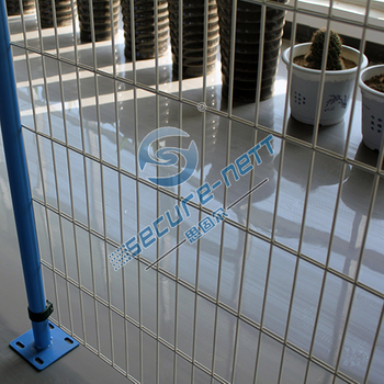 Welded wire mesh panel double wire fence