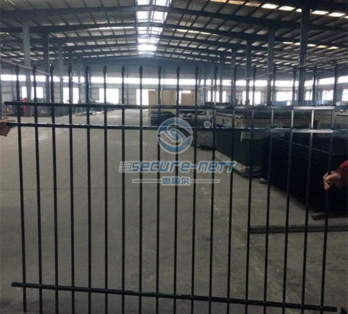 Hot galvanized spear top security fence